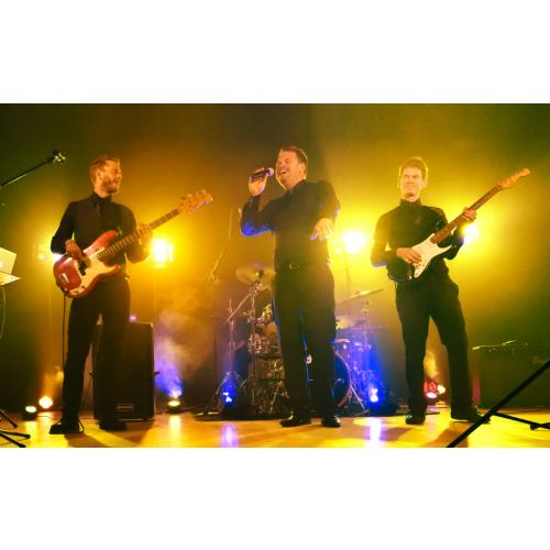 wedding-band-azure-live.jpg
